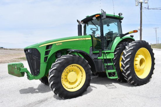 '07 JD 8330 MFWD tractor