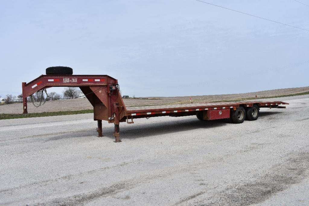 '06 Load Trail 32' gooseneck flatbed trailer