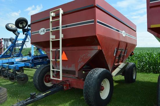 J&M 650 gravity wagon