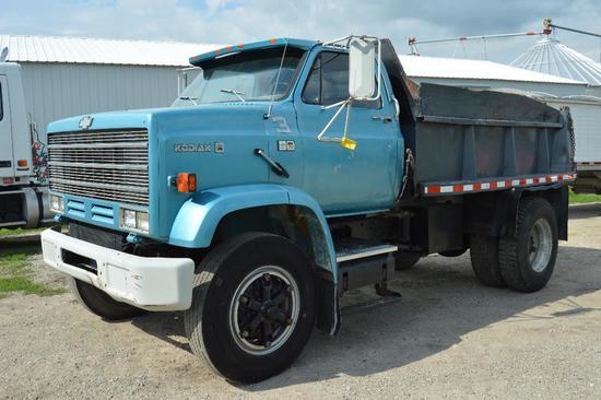 '83 Chevy D6500 dump truck