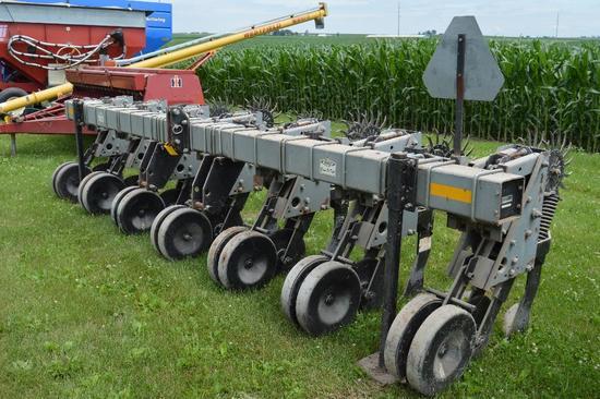 "Hiniker 5000 Econ-O-Till 6 row 30""...no-till cultivator"