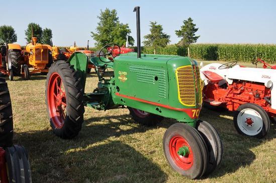 Oliver Row Crop 70 tractor