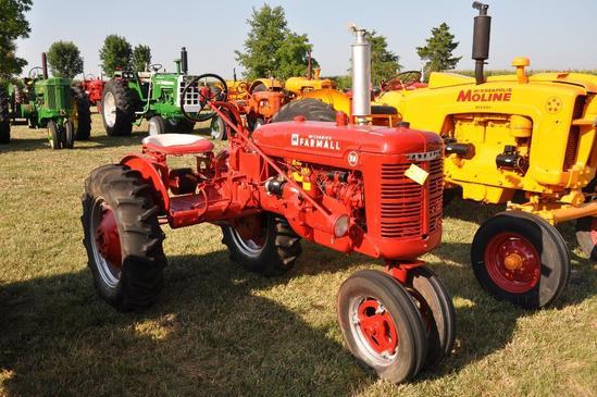IH Farmall BN tractor