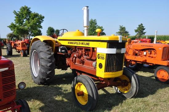 '63 Minneapolis Moline G705 tractor