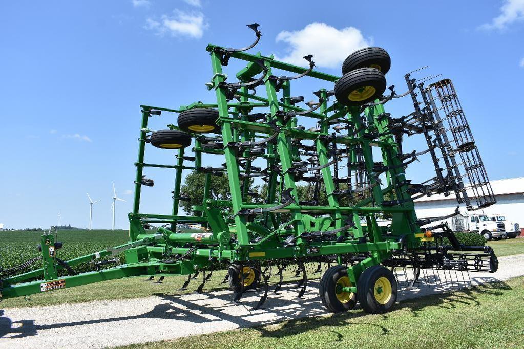 "'15 JD 2210 45'6"" field cultivator"
