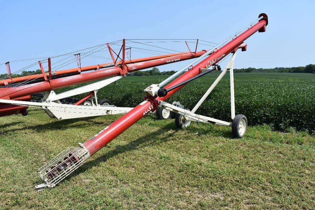 Buhler/Farm King 1031 auger