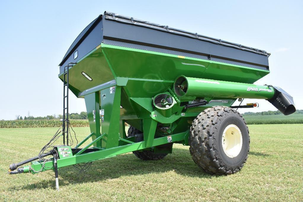 '15 Brent 1082 grain cart