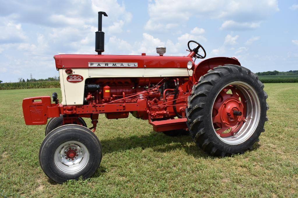 '62 Farmall 560 2wd tractor