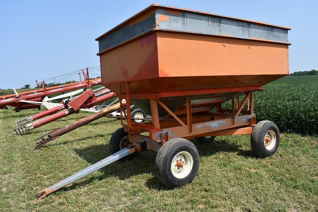 200 bu. gravity wagon