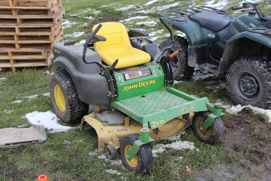 John Deere Z425 zero turn lawn mower