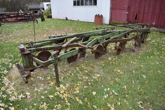 John Deere 5-bottom plow