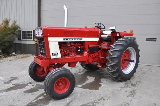 1972 IHC 966 2wd tractor
