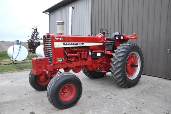 IHC 1256 2wd tractor