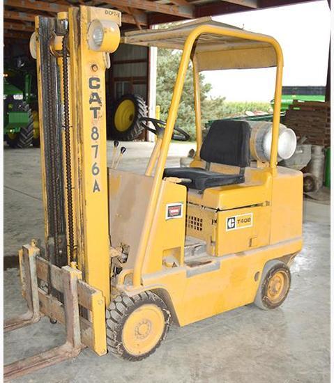 Caterpillar T40B 4000 lb. forklift