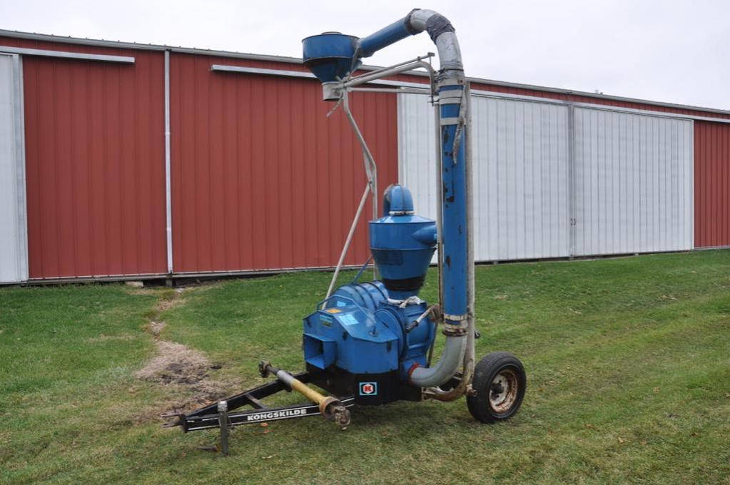 Lot: Kongskilde 700TR grain vac | Proxibid Auctions
