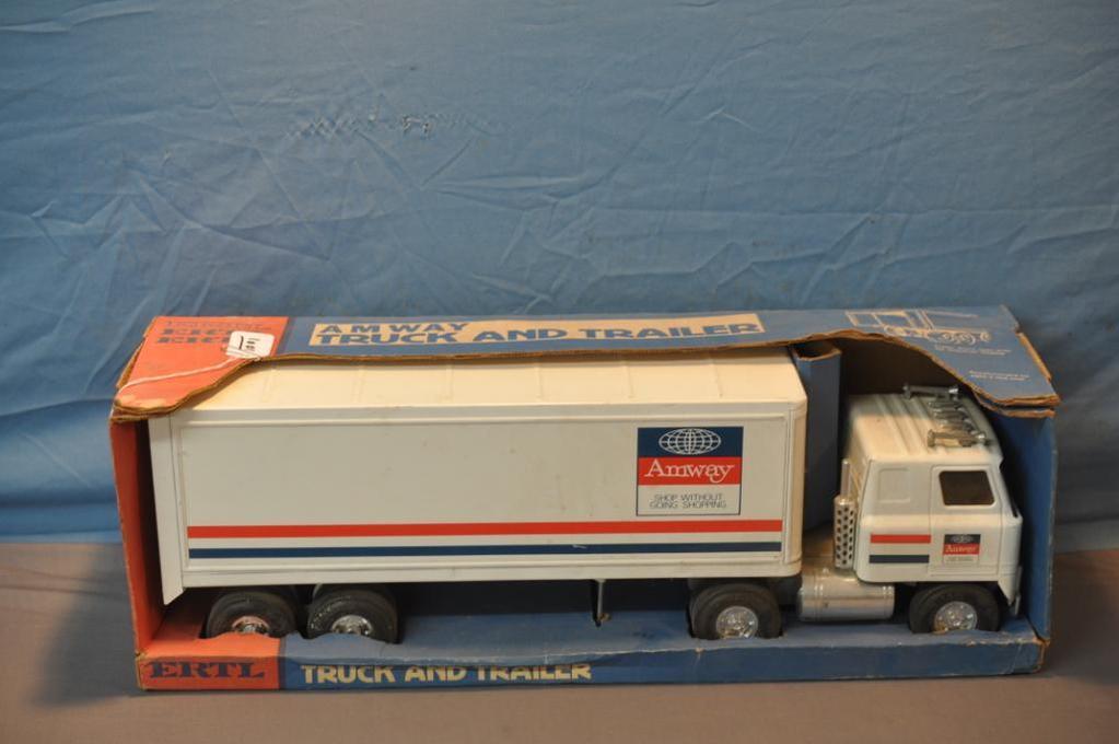 ERTL AMWAY TRUCK & TRAILER