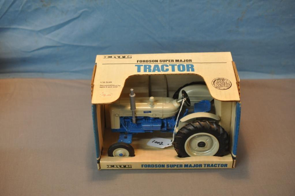 ERTL 1/16TH SCALE FORDSON SUPER MAJOR TRACTOR