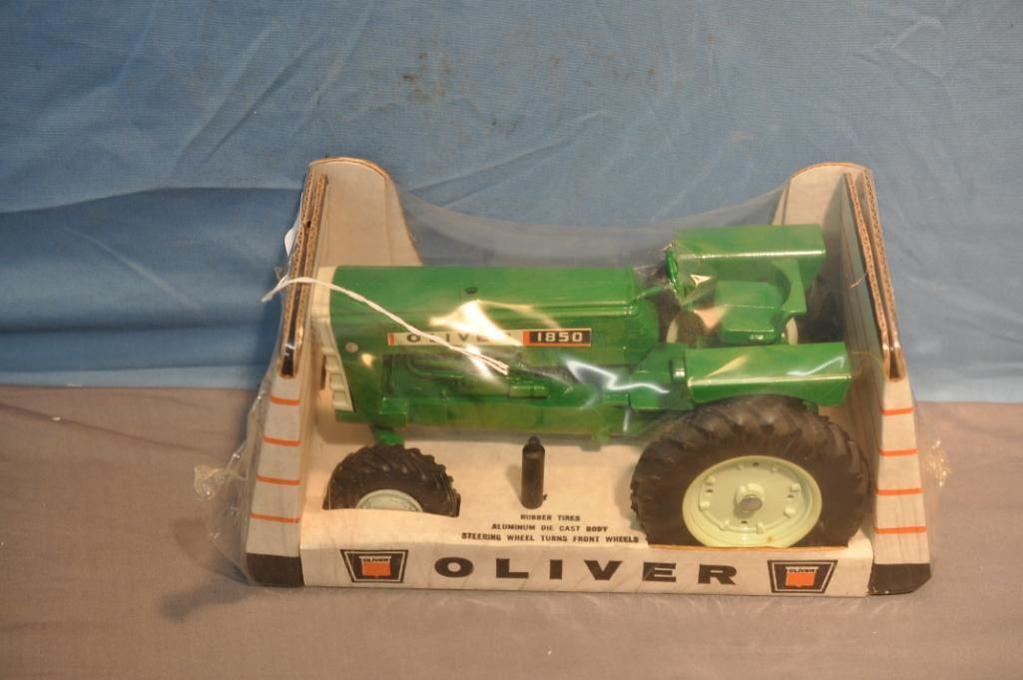 Sullivan Auctioneers Farm Toy Auction