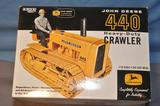 ERTL 1/16TH SCALE JD 440 CRAWLER, 2005 CONSTRUCTION SHOW
