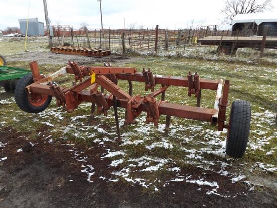 8' 3-pt. chisel plow