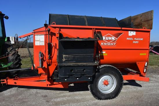 Kuhn Knight 3120 Reel Auggie feed mix wagon