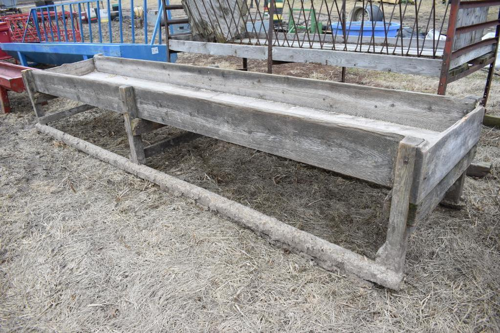 Wooden feed bunk