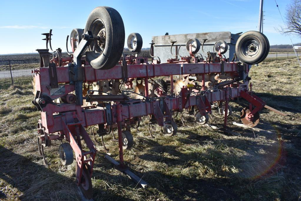 """Yetter 4184 8 row 36"""" cultivator"""