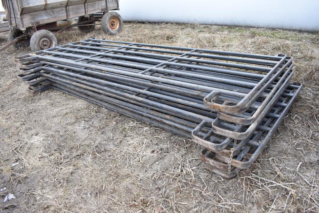 (11) Priefert 12' corral panels
