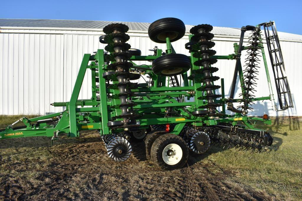 2015 Great Plains 2400TM 24' Turbo Max vertical tillage tool