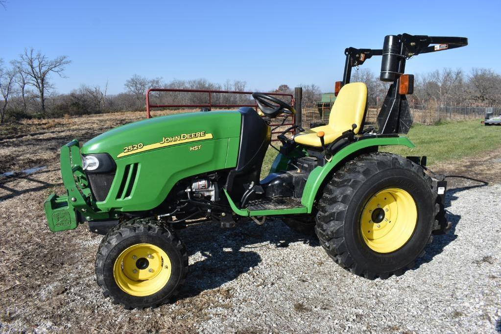 2012 John Deere 2520 MFWD compact utility tractor