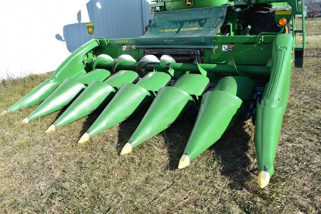 2012 John Deere 606C 6 row 30 corn head
