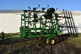 2009 John Deere 2210 30' field cultivator