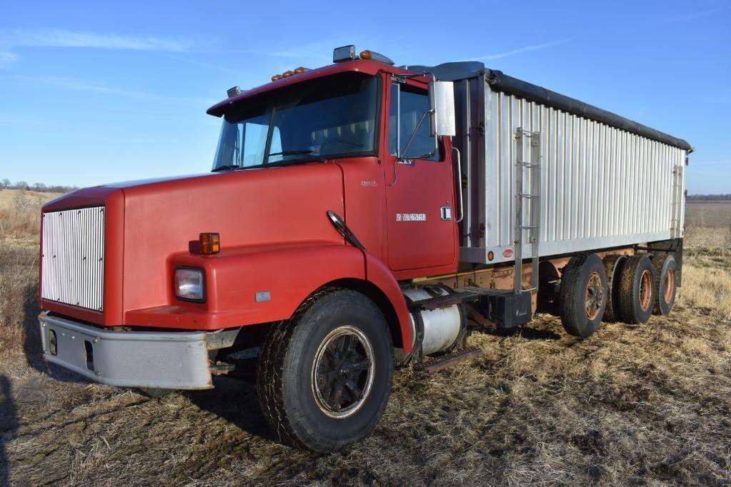 1991 Volvo grain truck