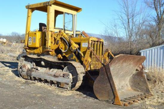 Caterpillar 951C crawler loader