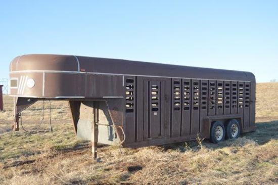 1988 Kieffer 7' x 20' gooseneck livestock trailer