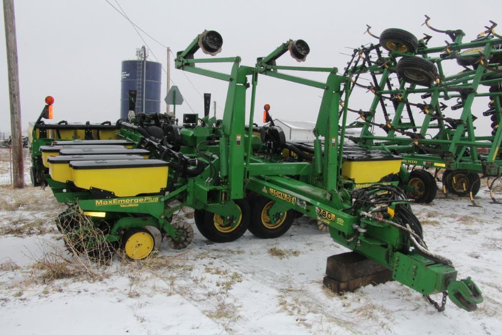 1999 John Deere 1780 12/23 planter