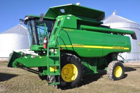 2007 John Deere 9560STS 2wd combine