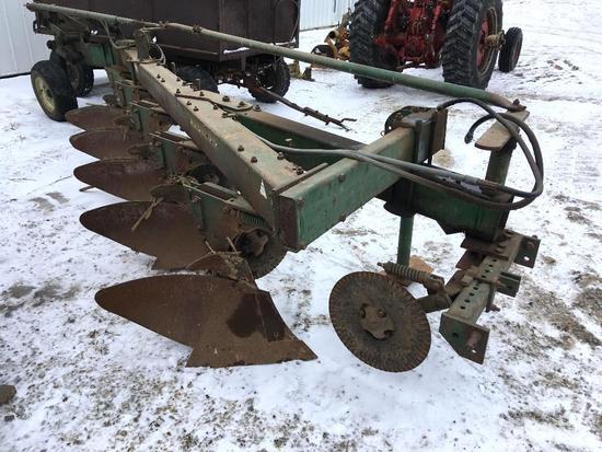 Oliver 588 5-bottom plow