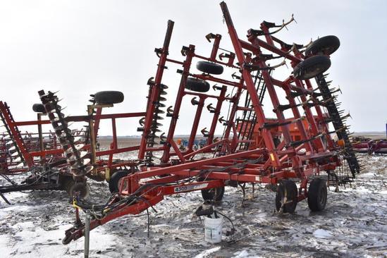 Case-IH 4300 30' field cultivator