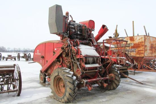 McCormick 127SP combine w/12' grain platform