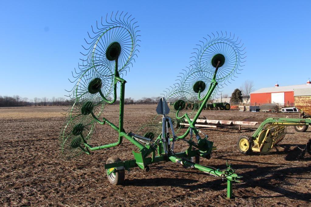 Frontier 10 wheel pull-type V rake