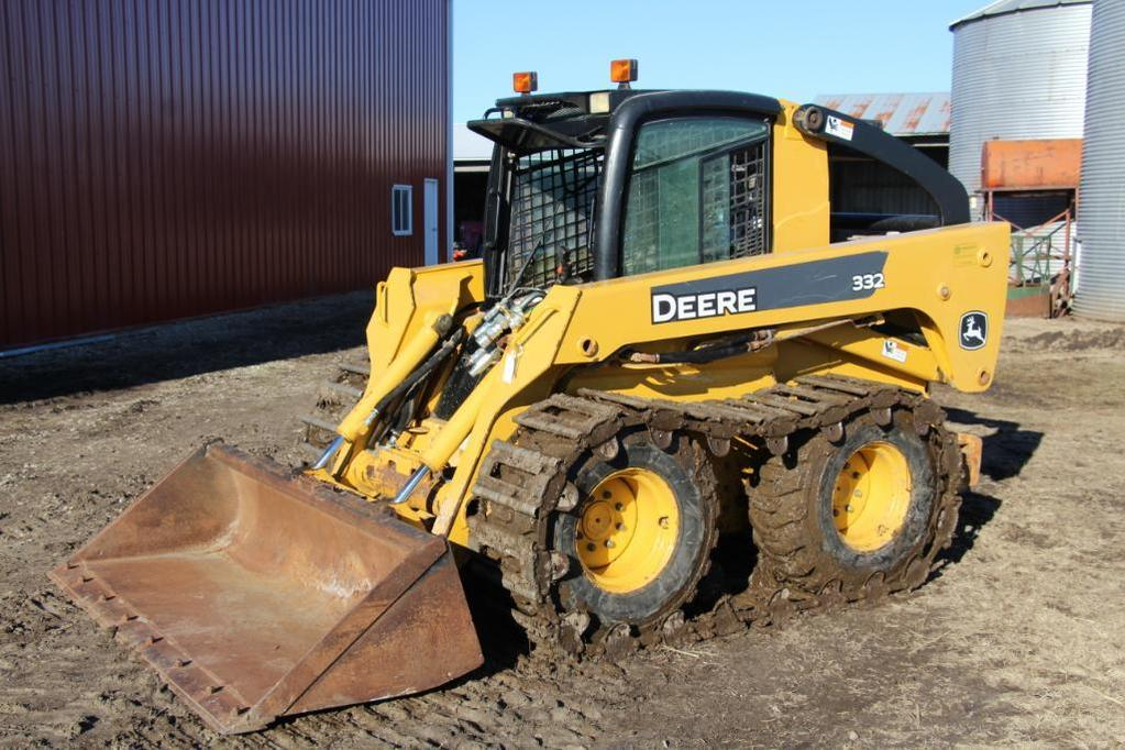 2009 John Deere 332 skid steer loader