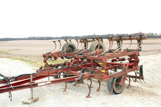 Hiniker 1120 20' field cultivator