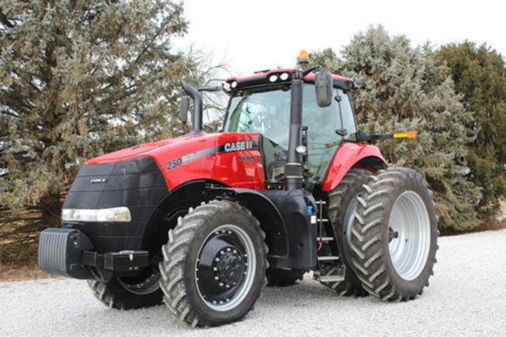 2015 Case IH 250 Magnum MFWD tractor