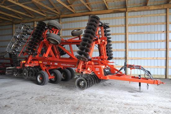2013 Kuhn Krause 8000 25' Excelerator vertical tillage tool