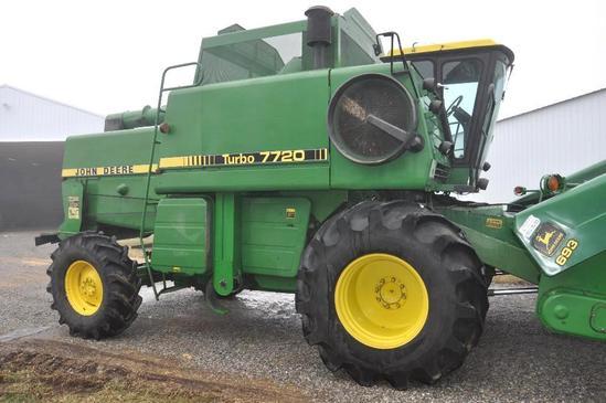 1984 John Deere 7720 Turbo 4wd combine
