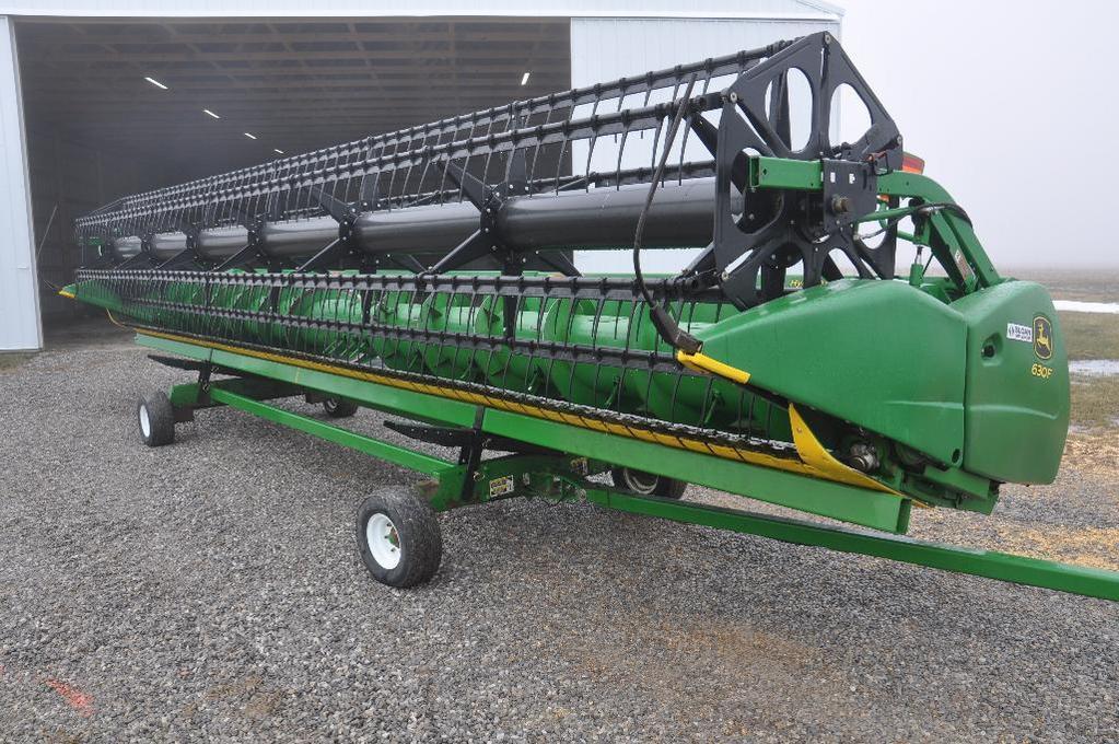 2014 John Deere 630F 30' HydraFlex platform