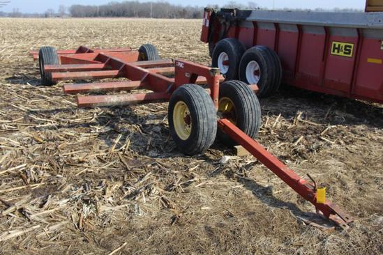 PMC 6-bale pull-type hay trailer