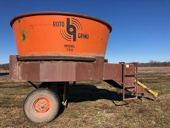Roto Grind 760 hay grinder