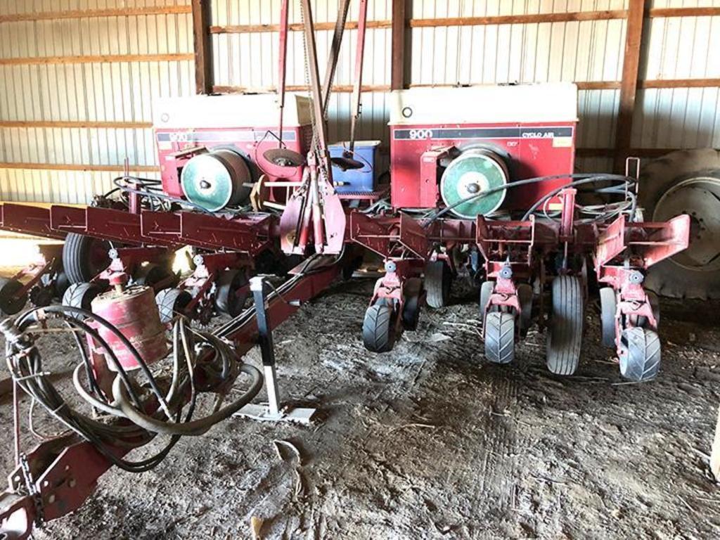 """Case IH 900 Cyclo Air 12 row 30"""" planter"""